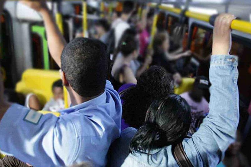 MENOS ÔNIBUS, MAIS AGLOMERAÇÃO, PAGANDO MAIS PARA AS EMPRESAS: essa é a fórmula da Prefeitura para combater a pandemia em São Paulo?